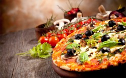 pizza_food_delicious_vegetables_photography_hd-wallpaper-1614245